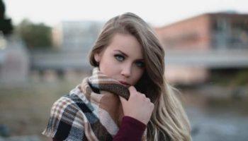 Как красиво завязать шарф на шее и голове