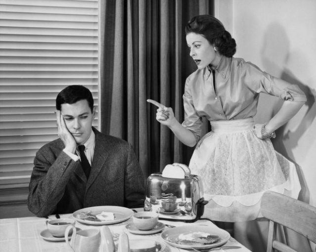 10 раздражающих женских привычек, которые мужчины ненавидят