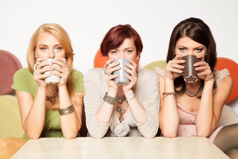 6 типов подруг, с которыми лучше не общаться