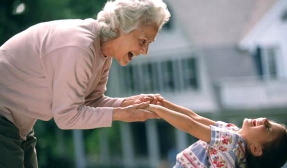 Любовь бабушки к своему первому внуку