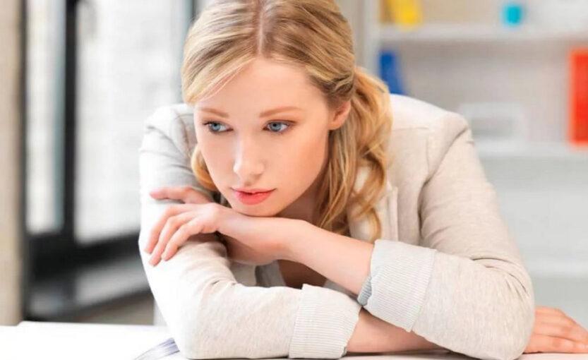 9 фраз, которые чаще всего говорят женщины с низкой самооценкой