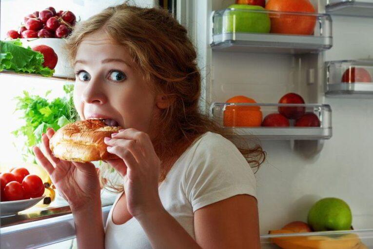 3 эмоции, от которых нужно избавиться, чтобы не набирать лишний вес
