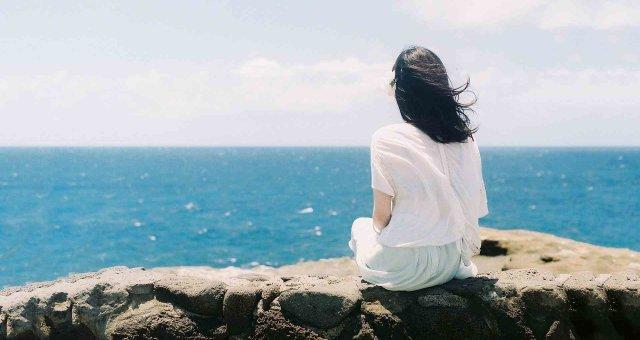 Женщина — особенное море: Стихотворение, которое «трогает» душу