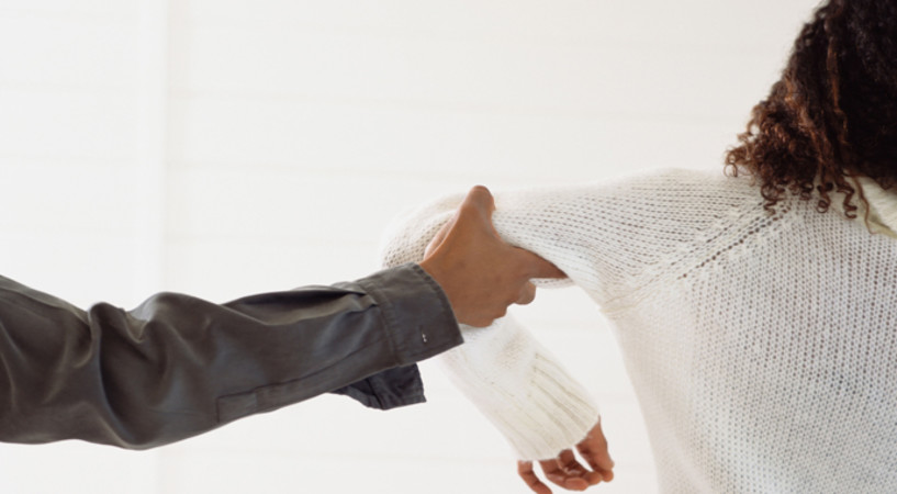 Почему ваш мужчина так плохо с вами обращается?