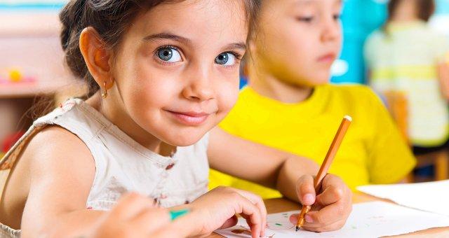 Переучивание левши — насилие над мозгом: советы детского психолога