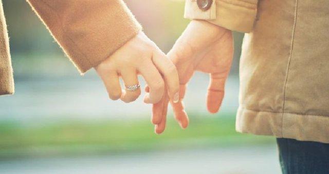 5 поступков женщины, которой не изменяет муж