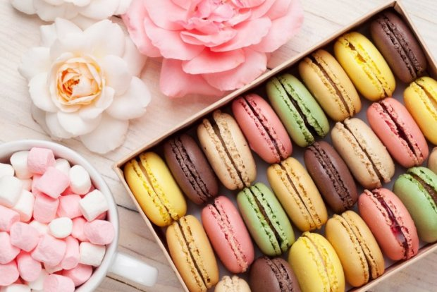 Психология переедания и зависимость от сладкого: как бороться