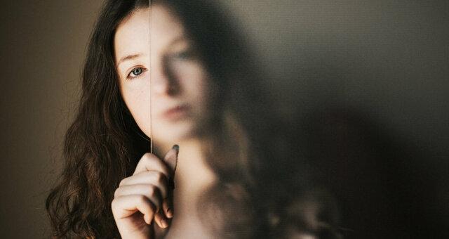 Почему мы теряем уверенность? 5 когнитивных искажений, влияющих на самооценку