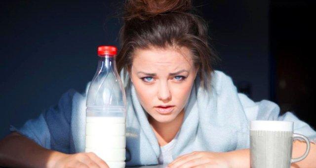 Алкоголь вызывает тревожность на утро из-за губительного воздействия на мозг