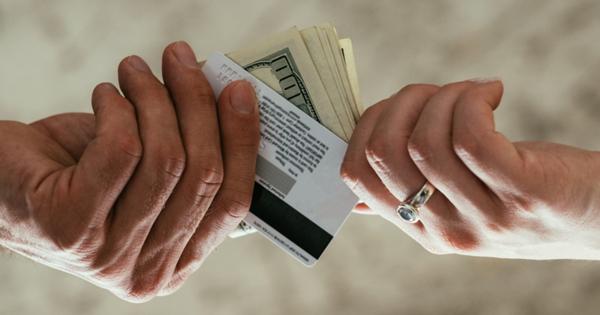 Финансы, а тем более их нехватка, разрушили не одни отношения
