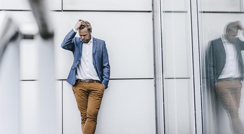 Кризис среднего возраста у мужчин: 7 вещей, которые они делают