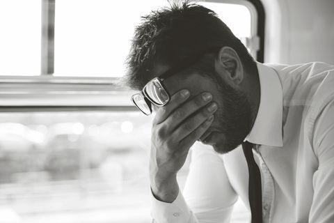 10 вещей, которыми ты унижаешь мужчину, сама того не понимая
