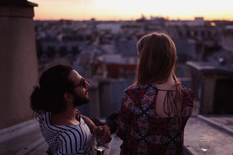 9 романтических жестов от женщин, которые нравятся мужчинам