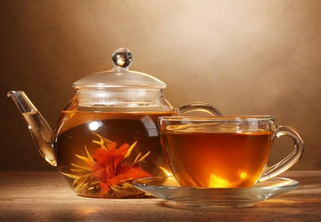 Что не следует делать, заваривая чай?