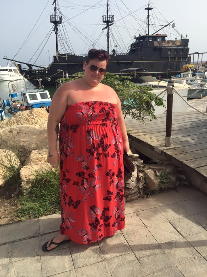 Продавец из супермаркета всего за год похудела на 82 кг, превратилась в красотку и стала моделью!